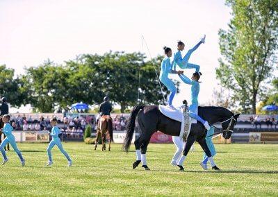 A füzesgyarmati lovastorna csapat bemutatója